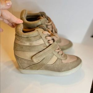 Madden Girl Olleyy Tan Wedge Sneakers